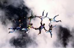 équipe de compétion vol relatif a 8 sélectionné en équipe de FRANCE (combinaison verte)